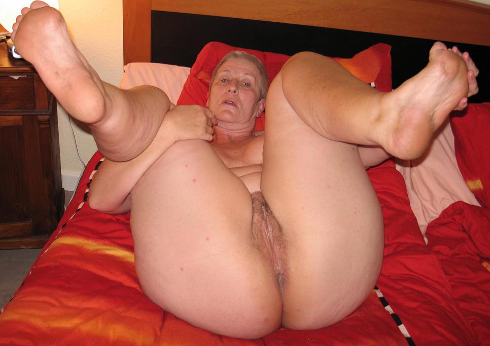 seks-zhirnie-starie-babi