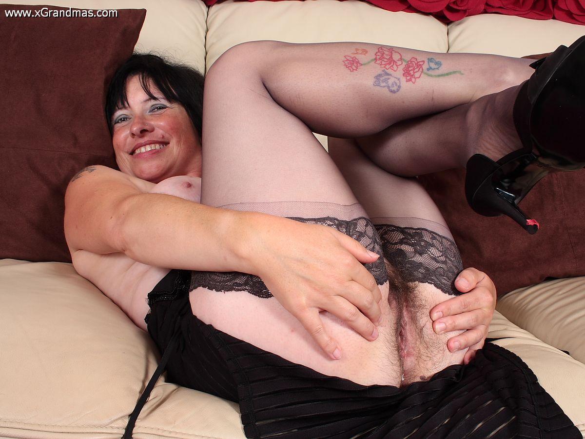 Les femmes matures nues en photosLes femmes matures nues