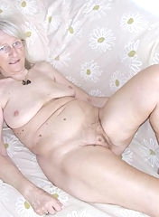 Granny nackt old marshillmusic.merchline.com :