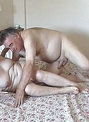 Mature swingers in bed